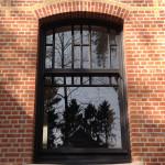 houten raam met moluren
