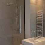 spiegel achter lavabo badkamer